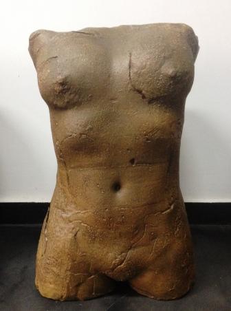 Desnudo femenino, fundición en bronce por cera perdida, pátina cuero florentina, def.