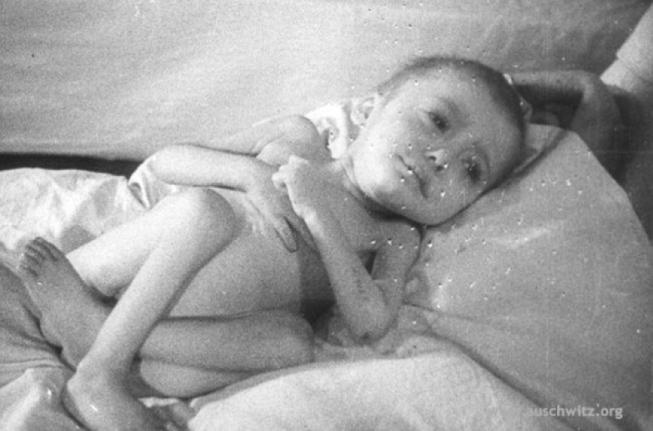 bebé-prisionero-liberado